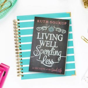 Living Well Planner to set and crush goals for busy moms!